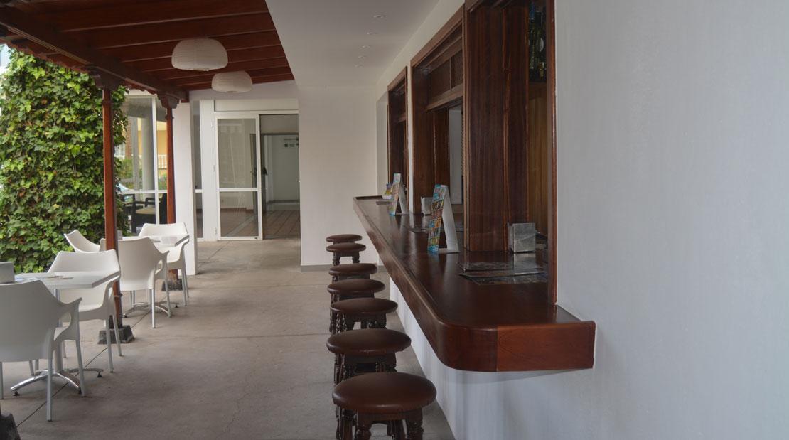 Exterior bar cafetería